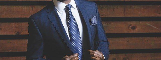 jak dopasować garnitur